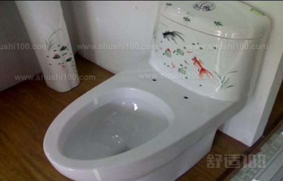 1 、马桶水箱不进水解决方法其实也简单,和水龙头出水少的情况是一个问题。就是好点儿的马桶补水器内部也有个滤网,滤网时间长了被太多水垢堵塞,使自来水进不来。只要能取下滤网清洁干净就可以了。 2、把连接马桶水箱进水的软管上的阀门关上,要不一会操作会喷水了。再冲一下马桶,把水箱水剩下的水排出来。 3、沿着进水软管,看马桶水箱底下,有个六角螺母把软管和水箱里的补水器(一根立着的塑料管)连在一起的,用扳手转下螺母,再沿刚在螺母的位置往上看,可能还有一个和螺母同样位置、同样可转动、同样功能的的冒,也拧下来,我家的这个