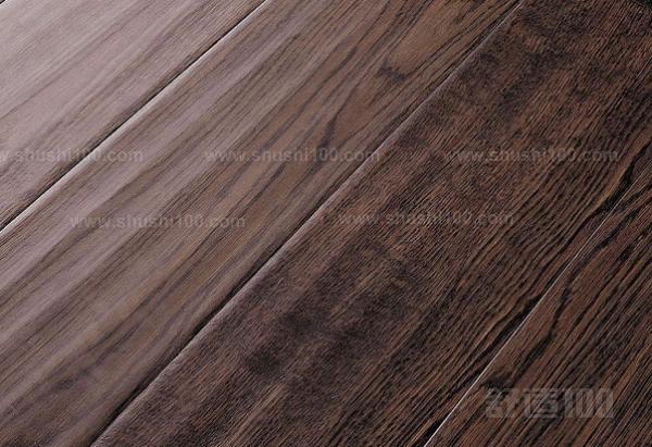 地砖也是有很多的种类,就现在的销量也说,木质地板砖是比较不错的一种