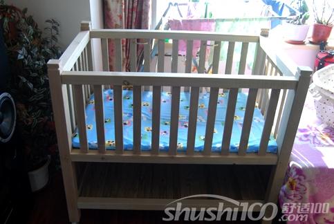 父亲大多会为自己的孩子亲手做一个婴儿床来