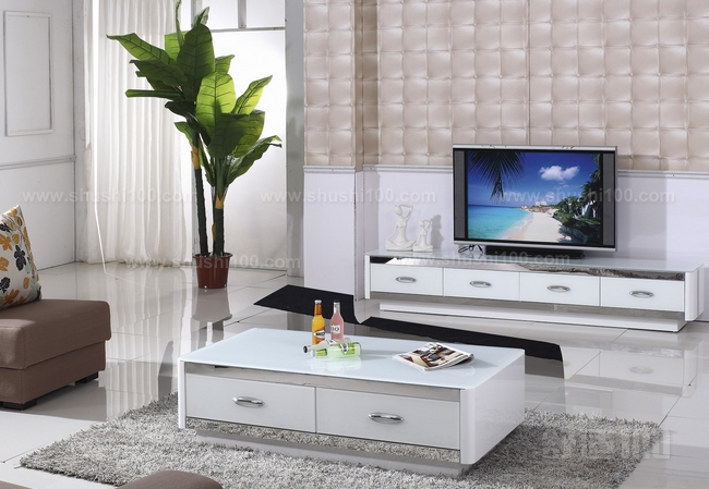 客厅电视柜风水—电视柜上摆放鱼缸