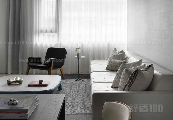 深灰色沙发如何搭配—深灰色沙发搭配技巧
