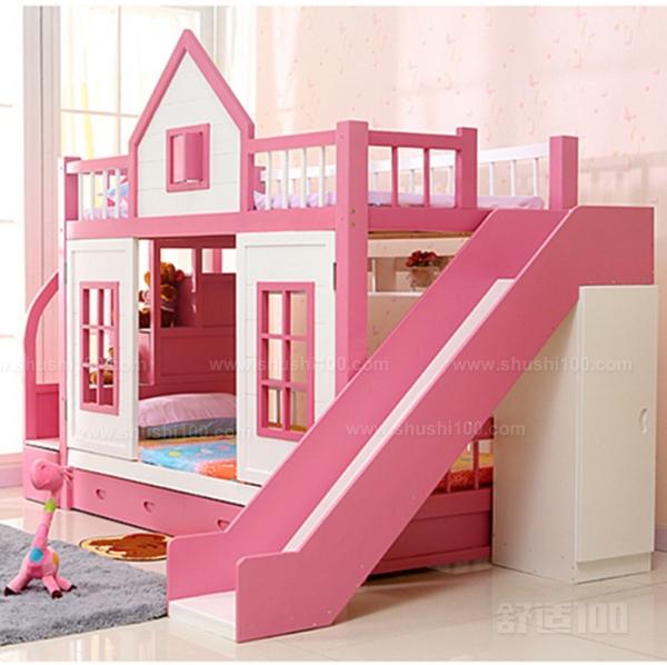 边边角角要注意: 1、滑梯公主床要尽量避免棱角的出现、边角要采用圆弧收边。边角用手摸起来要光滑、不能有木刺和金属钉头等危险物。 2、确保滑梯公主床的牢固性:宝贝的天性就是好动的。他们总是喜欢在滑梯公主床上跳上跳下,所以父母要确保床是稳固的,没有倒塌的危险;应挑选耐用的、承受破坏力强的滑梯公主床,还要定期检查床的接合处是否牢固,特别是有金属外框的床,螺丝钉很容易松脱。 3、根据宝贝的身高为他选购适合宝贝的滑梯公主床:为宝贝选择的床应比较低,离地近:矮床方便宝贝上下,而且万一不小心从床上滚落,也不会受到严重伤