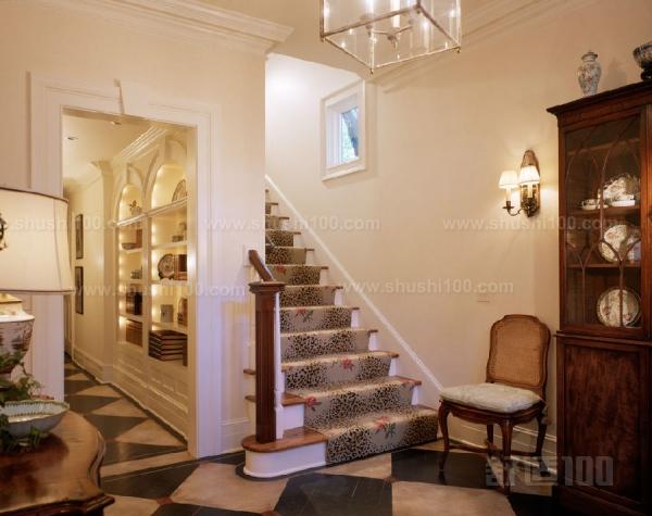 別墅大廳帶樓梯—樓梯臺階設計