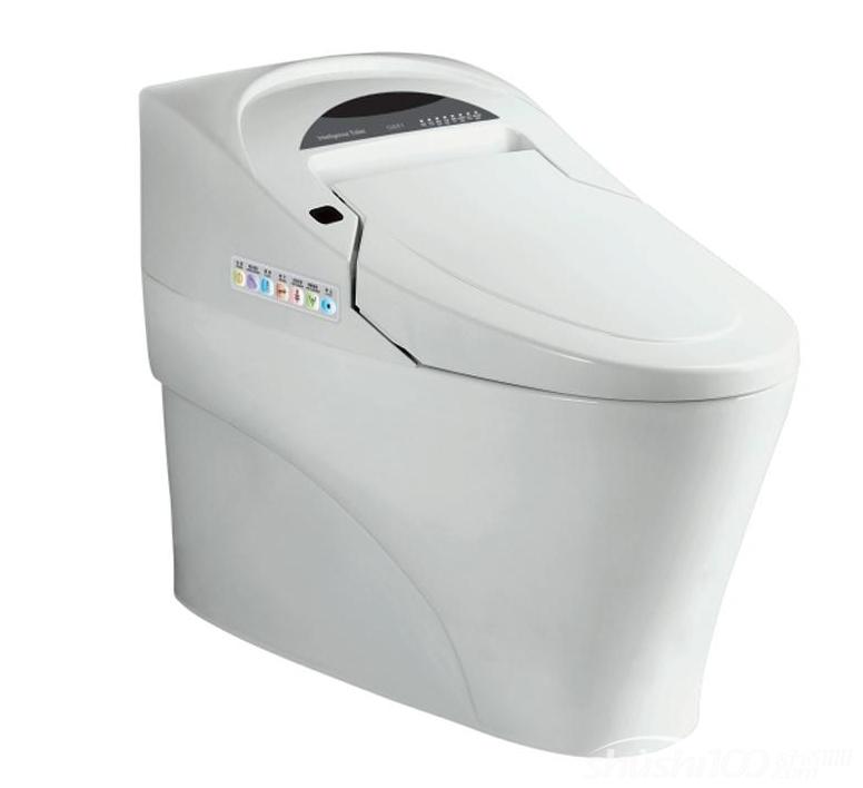 1、温暖座圈不冰冷 寒冷季节,马桶座圈冰凉的触感让人不寒而栗,而智能马桶盖的座圈可以自动加热到人体适宜的温度。不少品牌还推出了温控座圈,拥有不同温度档式,根据个人喜好或地域和天气来进行调节,再也不用害怕如厕时的冰冷感觉了。 2、水洗更卫生 每次如厕后,智能马桶盖的水洗功能能代替手纸进行清洁,更易消灭引发传染性疾病的病毒、细菌、真菌或寄生虫。 具有多种冲洗模式的智能座便盖不但能有效去除污物,还能起到按摩作用。前后可移动式的喷头,可以满足男性、女性的不同冲洗需求。使用智能座便盖的温水和暖风做清洗和烘干,刺激毛