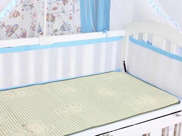 夏天婴儿床—夏天婴儿床铺凉席要用什么材质的比较好