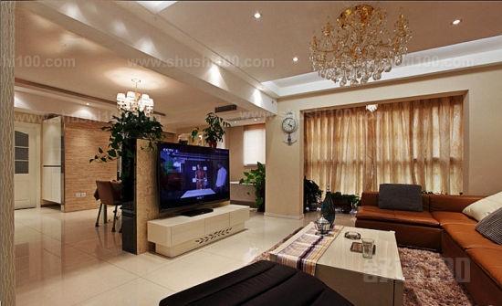 很多人家里装修的时候,会发现自己家的客厅有过梁