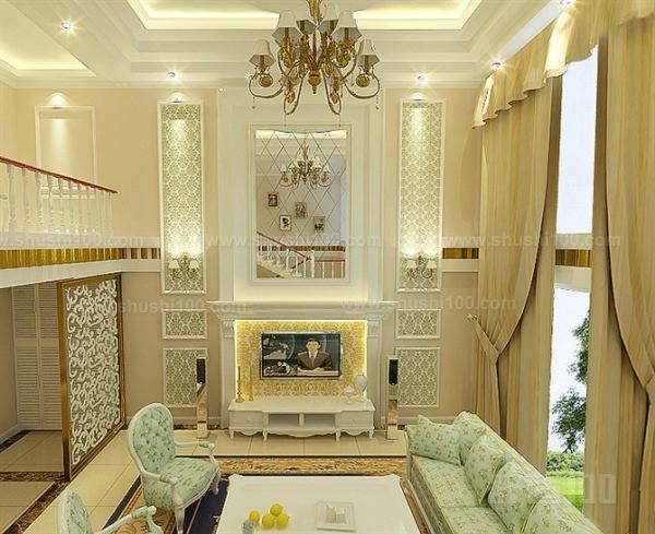 楼中楼装修效果图中,客厅的沙发等均以软装为主,背景墙则采用了壁炉式