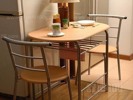 家用折叠餐桌 家用折叠餐桌的基本介绍