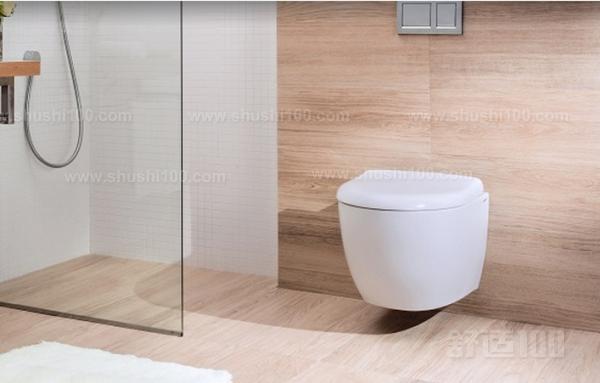 优点 1、挂墙式无卫生死角容易清洁。 高档挂便器,款式新颖、雅观、釉面平整光滑,采用1200度以上高温烧成,完全瓷化,吸水率严格控制在0.5%以下;挂便悬挂在墙上不与地面接触,使卫生间更容易清洗,适合各种空间大小的卫生间使用。 2、挂墙式占地面积小,空间更开阔。 节省空间这点来看,就很受现在80后年年轻人的欢迎,我们都知道,在现代社会房价的日益高涨,对很多年轻人来说绝对是一个挑战,特别是工薪阶层,对于他们来说省钱就是赚钱,对于小户型的卫生间,挂墙式马桶是最好的选择。 3、马桶移位更方便,布局不受限。 可以