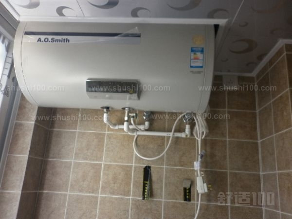 1.确定安装位置。确定华帝热水器安装的位置在哪里,用铅笔标记出来。然后固定好热水器。固定华帝热水器可以采用冲击钻打孔安装膨胀钉固定,也可以用细铁丝将华帝热水器固捆绑在固定物上,只要安装固定牢固稳定即可。 2.连接水管。安装固定好华帝热水器之后,将进出水管拿出安装好,旋紧并固定然后放水充满容器。 3.