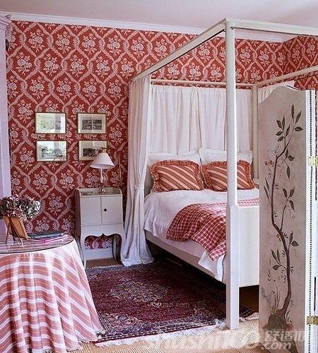 图片等,巨大的书架上面令郎满目 洁白的床头背景墙上,采用素描的