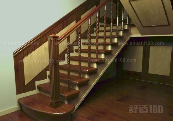 1、梁,即龙骨:主题最为重要的部分,楼梯中联系梯板、立柱等部件的主要承重部分; 2、梯板:用以踩踏、分散承重的水平踏板; 3、立板:链接不同的梯板之间的垂直板材,并不是所有的实木楼梯都有; 4、起步板:起步时第一块梯板,一般做得较大,呈圆弧状,用以美观和方便起步踩踏,我们也常称之为豪华起步; 5、面方:即扶手,用以手扶,功能在于使人可以通过手的力量来协助攀登; 6、立柱:在扶手与梯板或龙骨之间的垂直链接部件,既是构成的不可缺少部分,也是艺术内容较为丰富的方面,分为小立柱、大立柱; 7、大立柱:在立柱中较大
