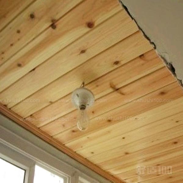 木板吊顶是我们室内装修中很重要的一个装修术语,它是用木板制作吊顶,以使房间看起来更加贴近大自然、美观古朴、更加健康环保。基于木板吊顶这么多好处,我们在装修房子的时候就不得不考虑这种木板吊顶了。那么我们在安装的时候应该怎么进行呢?