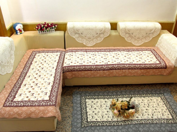 欧式皮沙发—怎么搭配欧式皮沙发