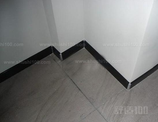 瓷砖配木质踢脚线