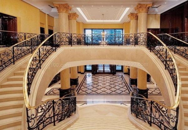 双楼梯别墅 别墅双楼梯的设计方案