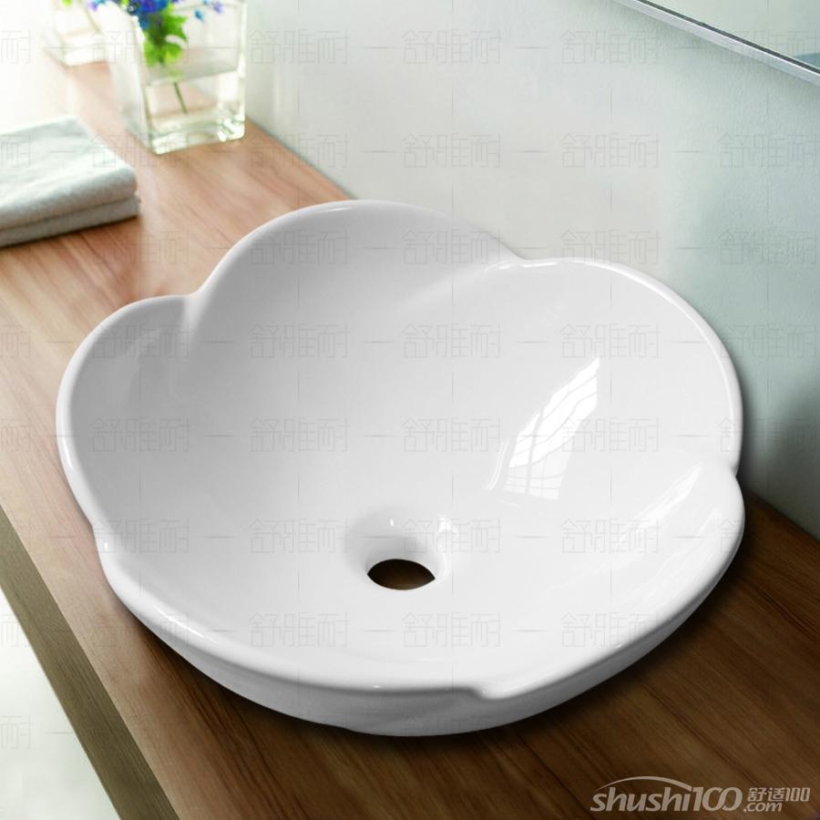 不同的类型有着不同的使用效果,而欧式洗面盆就是一种非常上档次,使用