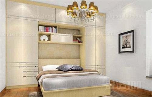 该款床柜一体家具采用经典的双色设计,主要使用天蓝色为主色调,实木