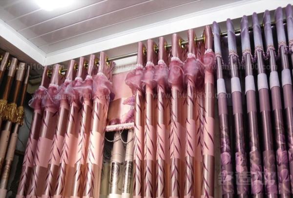 蛇形窗帘轨道—蛇形窗帘轨道有哪些常用材质?