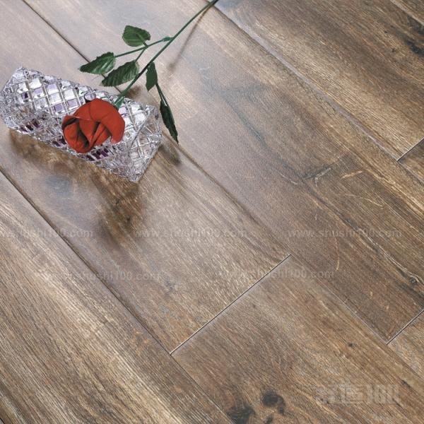 木地板纹瓷砖—比较好的木地板纹瓷砖品牌