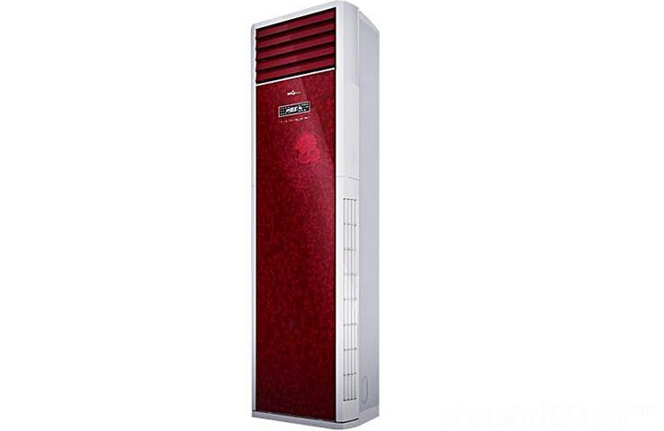 柜式空调室内机 在室内机组以入墙式安装方法安装时,机组前面最少要留下1m、左右最少要留下0.5m、顶部最少要留下0.3m的空间,以供送风风扇送风和检修空气过滤器之用。室内机组要尽量靠近电源、并选室内外机组之间距离最近的地方安装,这样可以节省管道。