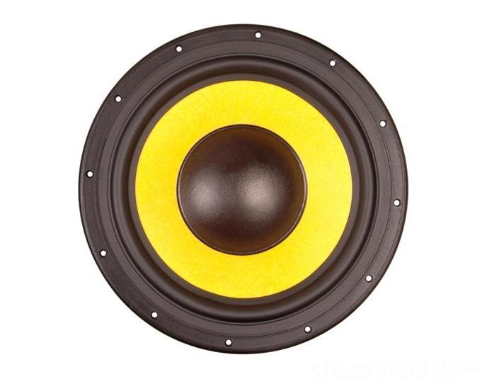 静电扬声器:它是利用加到电容器极板上的静电力而工作的扬声器,就其