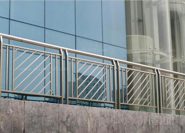 不锈钢阳台护栏 不锈钢阳台护栏技术特点介绍图片