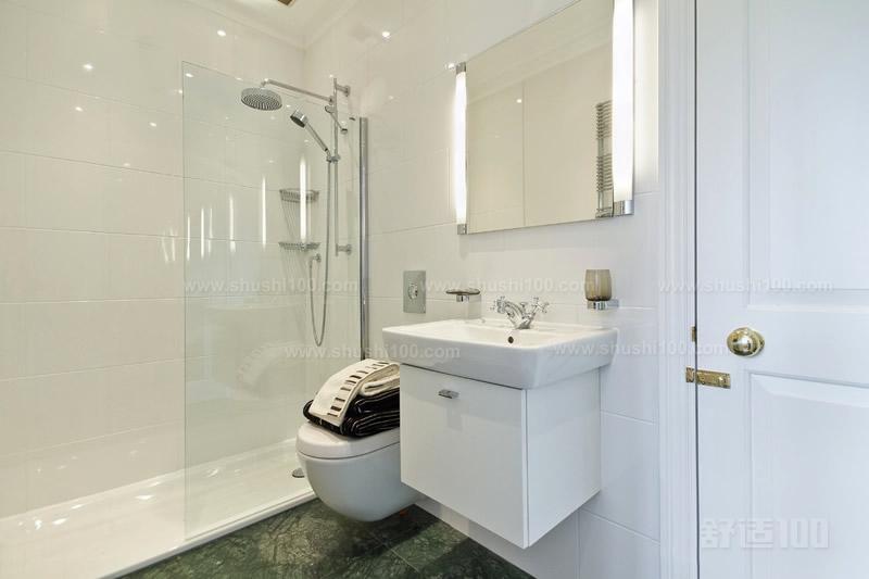 淋浴花洒龙头适合各类户型装修,简单的淋浴房搭配淋浴花洒,占用卫浴间一角,简约时尚。若户型较大,可以选择双手柄带下水的龙头,显得大气。而小户型则可以选择单手柄的龙头,小巧精致,宜室宜家。 卫生间花洒是每家每户都少不了的卫浴工具,好的花洒让您和家人洗澡洗得更舒适,带来不一样的沐浴体验。