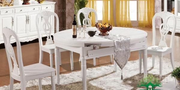 其实与传统中规中矩的餐桌相比起来,欧式折叠餐桌其实有着许多的好处的,尤其是这一种餐桌在随着时代进步的时候,变得越来越充满了时尚感,尤其是这一种餐桌款式也越来越多。同时从材料放慢来看,与传统的餐桌现折叠桌就变得比较的灵活,尤其在外出举办活动以及聚会之时则更是尽显折叠便利本色,让人们能够享受到跟多的活动以及聚会的乐趣。