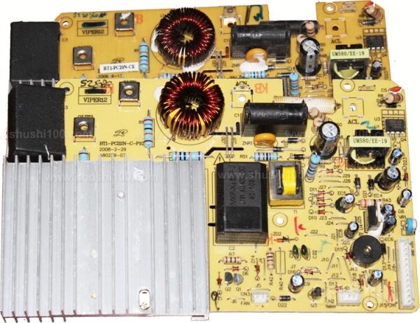 保险丝保护电子设备不受过电流的伤害,也可避免电子设备因内部故障所引起的严重伤害。因此,每个保险丝上皆有额定规格,当电流超过额定规格时保险丝将会熔断。当介于常规不熔断电流与相关标准规定的额定分断能力(的电流)之间的电流作用于保险丝时,保险丝应能满意地工作,而且不会危及周围环境。保险丝被安置的电路的预期故障电流必须小于标准规定的额定分断能力电流,否则,当故障发生保险丝熔断时会出现持续飞弧、引燃、保险丝烧毁、连同接触件一起熔融、保险丝标记无法辨认等现象。当然,劣质保险丝的分断能力达不到标准规定的要求,使用时同样