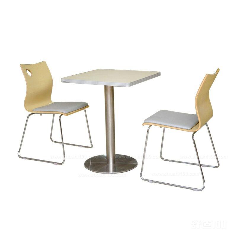 曲木餐桌椅 由此看来,曲木餐桌椅的样式是非常多的,而且做成曲木餐桌椅的材质也是比较好的。这样才会使得曲木餐桌椅在现如今特别受消费者的欢迎。读完这篇文章,我希望大家能够更加深入的了解到餐桌椅的优点以及餐桌椅为何如此受消费者喜爱的原因。