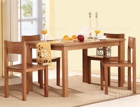 在国内实木餐桌品牌中,曲美家具的知名度是毋庸置疑的.