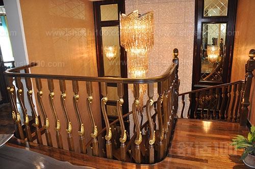 实木别墅楼梯 实木别墅楼梯的种类和选购