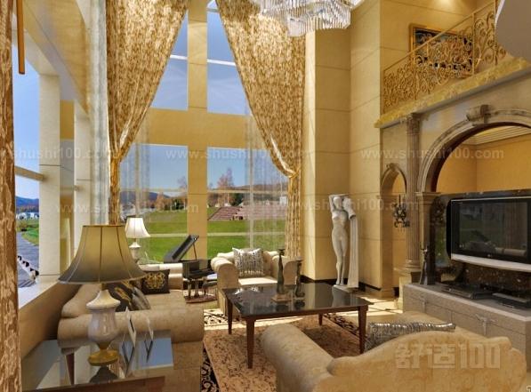 对于一个企业乃至一个家庭来说,每个人都不希望自己的所作所为在其他人的视线范围之内。所以说,不同的室内空间区域,对于私隐的防范程度也有所不同。像类似于酒店大堂、别墅客厅这些公共活动区域,对于私隐的保护程度就相对来说较低,大部分的酒店大堂和别墅客厅都把窗帘拉开,大部分情况下处于装饰状态。而对于卧室、洗手间等比较私密的室内区域来说,住客和家人就希望密不透风,越隐秘越好,所以我们在选择窗帘的时候就要注意到这点,像大堂、客厅这类区域我们可以选择比较透明的布料,而卧室则选用较厚质的布料。