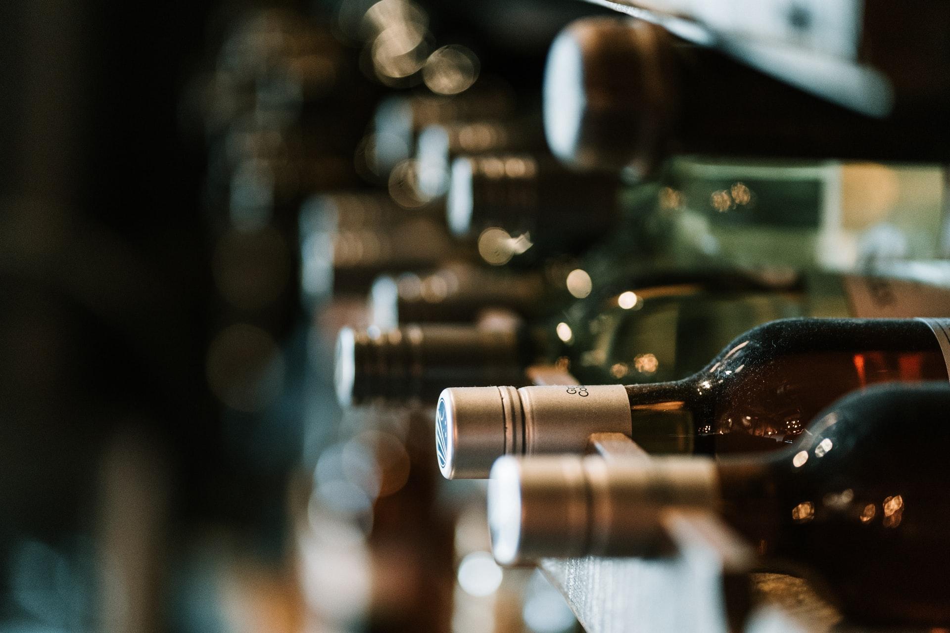 为什么一定要选专业的酒窖空调?与普通空调区别在哪?