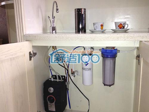 滨特尔中央水处理系统,置于厨房储物柜中
