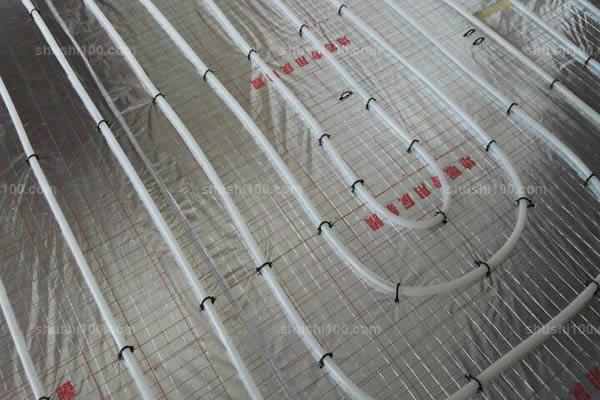 镇江万科红郡中央空调家庭采暖安装现场—打造顶级舒适美宅